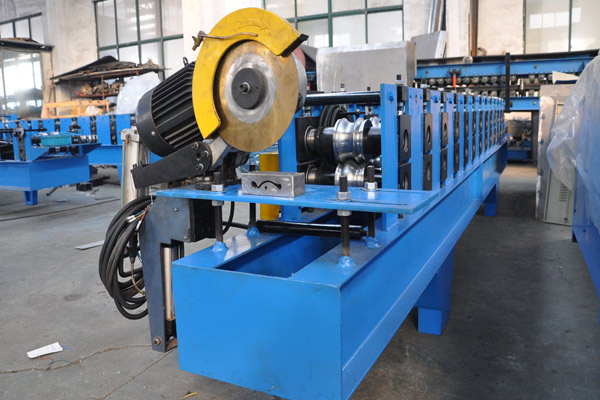 roller-shutter-door-roll-forming-machine-4.jpg